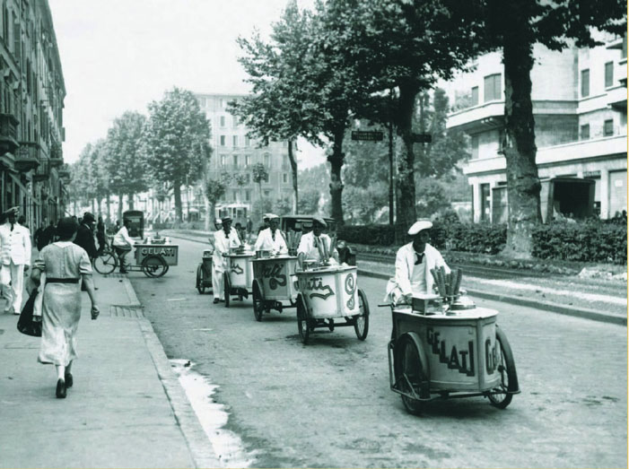 Early 20th century gelato bicycle carts in Italy were the norm. Today, most gelato sold in Italy is found in shops.